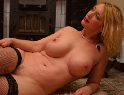 Rencontre sexy sur Villeurbanne avec une femme mure à gros seins