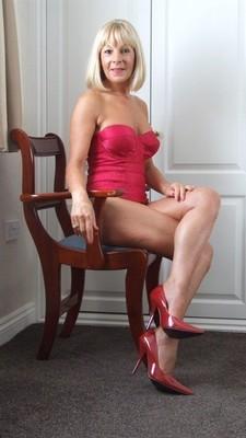 Femme mature divorcée sur Metz cherche jeune pour baise